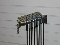 Locking-Golf-Club-Display